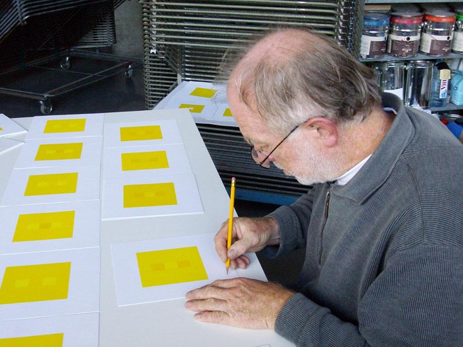 Ulrich Otto signiert die Edition ltb-10